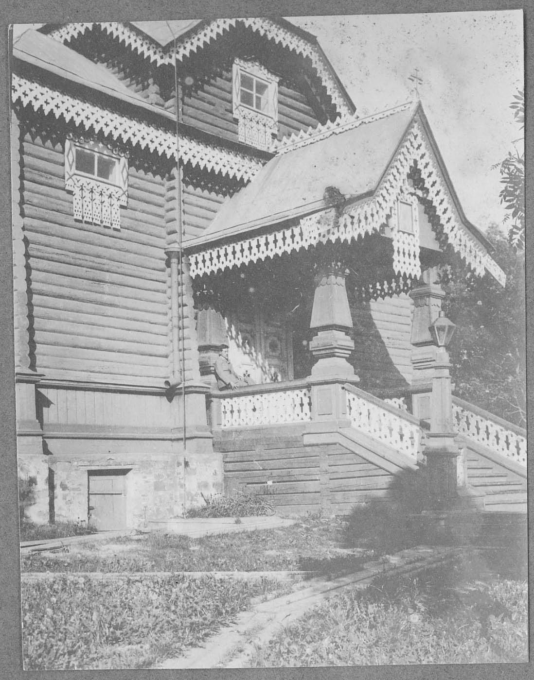 Крыльцо Покровской церкви в посту Александровском