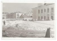Вид с улицы на школу №2, подшефную Углегорскому порту