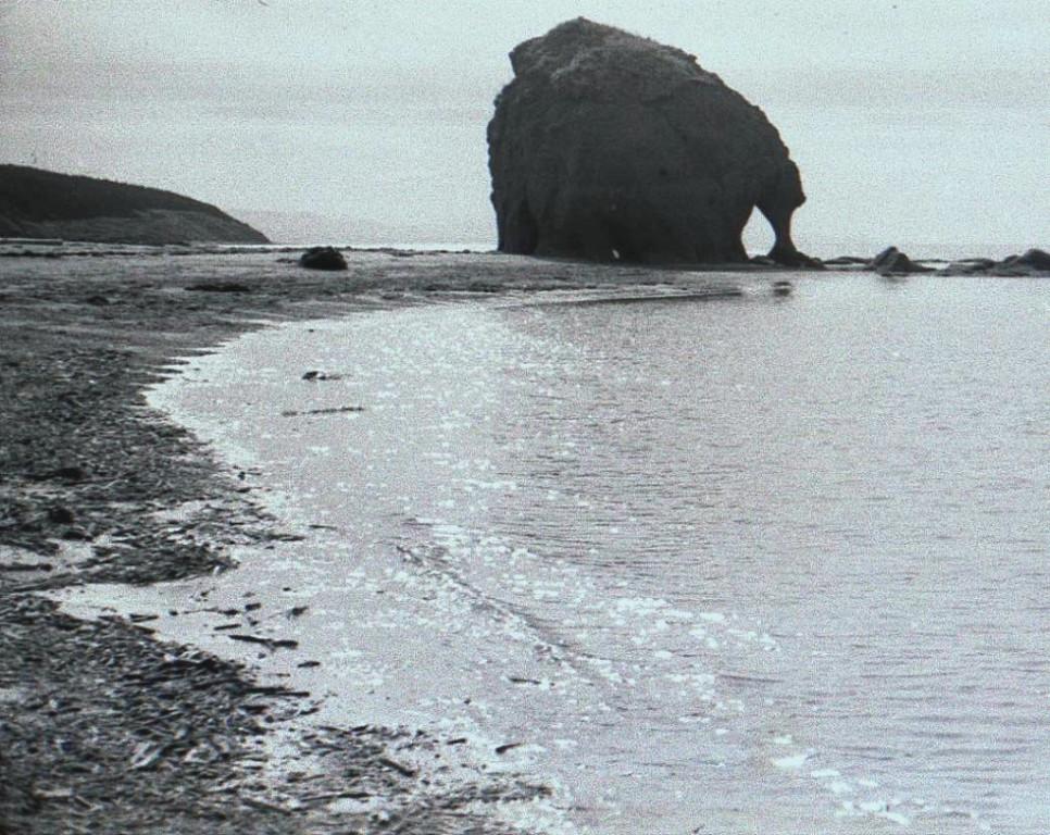 Скала Альвах в с. Танги