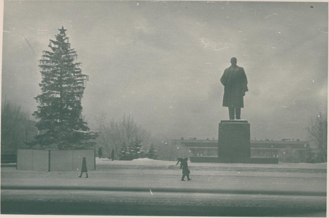 Площадь Ленина. Южно-Сахалинск