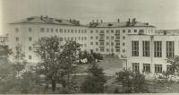 Уголок города - двор улицы Ленина 1-а и 1-б за медучилищем