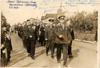 Колонна ветеранов войны движется по ул. Дзержинского. 03 сентября