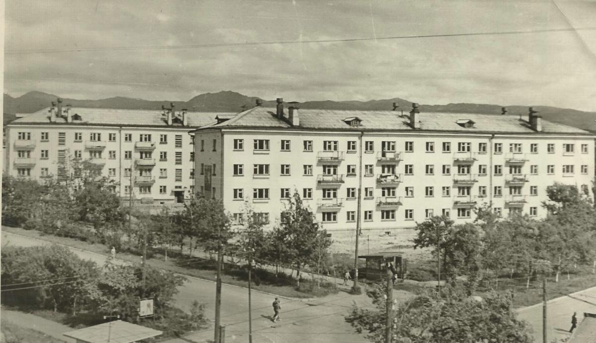 48-квартирные дома - Советская ул., 18 (угол ул Дзержинского), следующий, влево, Дзержинского, 9