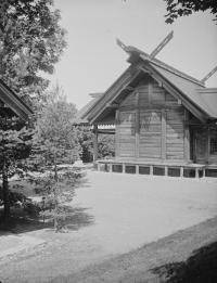 Серия снимков. 1 из 3. Храм Карафуто-дзинзя в Тоехаре