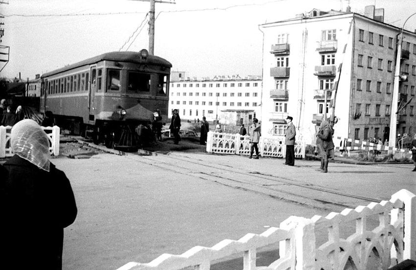 Железнодорожный переезд на улице Морская г. Холмск